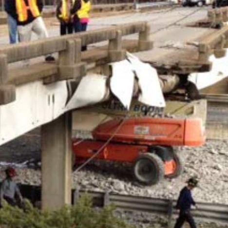 Plataforma acidentada em ponte
